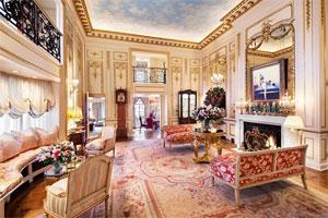 De triplex van Joan Rivers staat te koop voor 28 miljoen dollar.