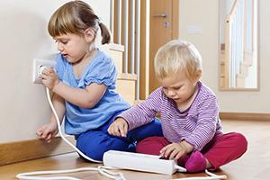 Kindveilig omgaan met elektriciteit: deze voorzorgen moet je nemen