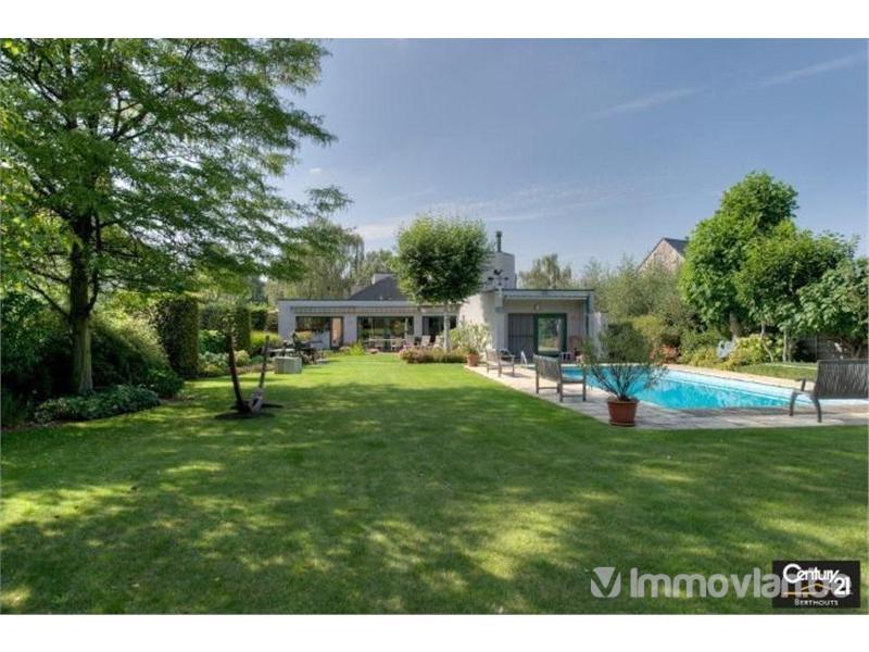 Voormalig Premier Jean-Luc Dehaene verkoopt zijn villa voor 750.000 €