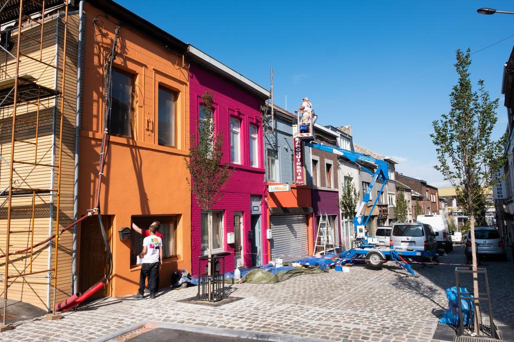 Grauwe straat krijgt weer kleur (en het kost de bewoners niets)