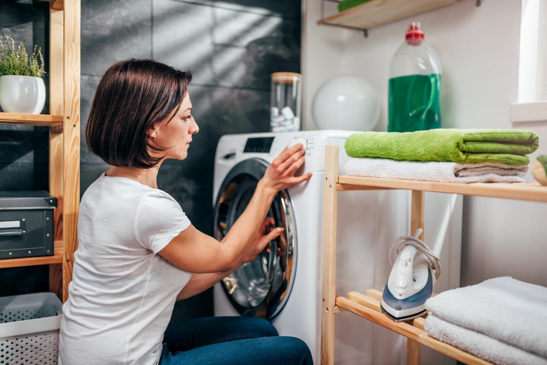 Éviter les ennuis avec sa machine à laver : voici comment la nettoyer en 5 étapes simples