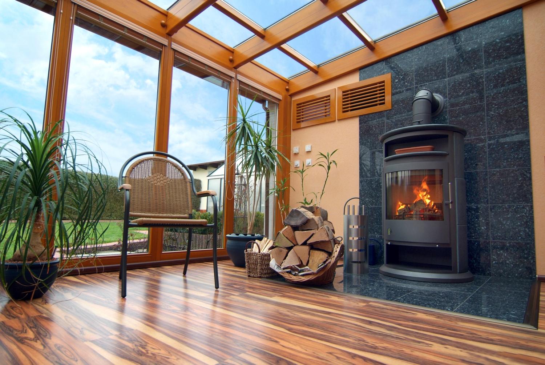 Comment nettoyer efficacement et sans frais la vitre de son poêle à bois ?