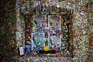 Hoe een muur vol kauwgom bekend werd