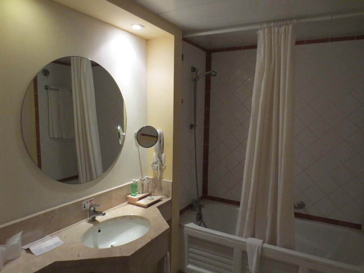 Ronde Spiegel Badkamer : Een ronde spiegel? zo verwerk je hem in je interieur u2013 immovlan cms