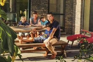 Waarom Tom zijn kant-en-klare houtskeletbouw in Letland bestelde