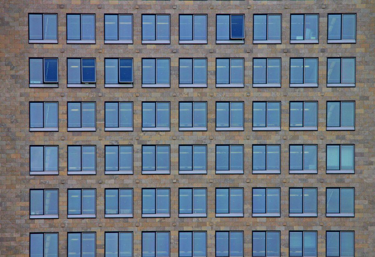 Mag je zelf de ramen van je appartement vervangen?