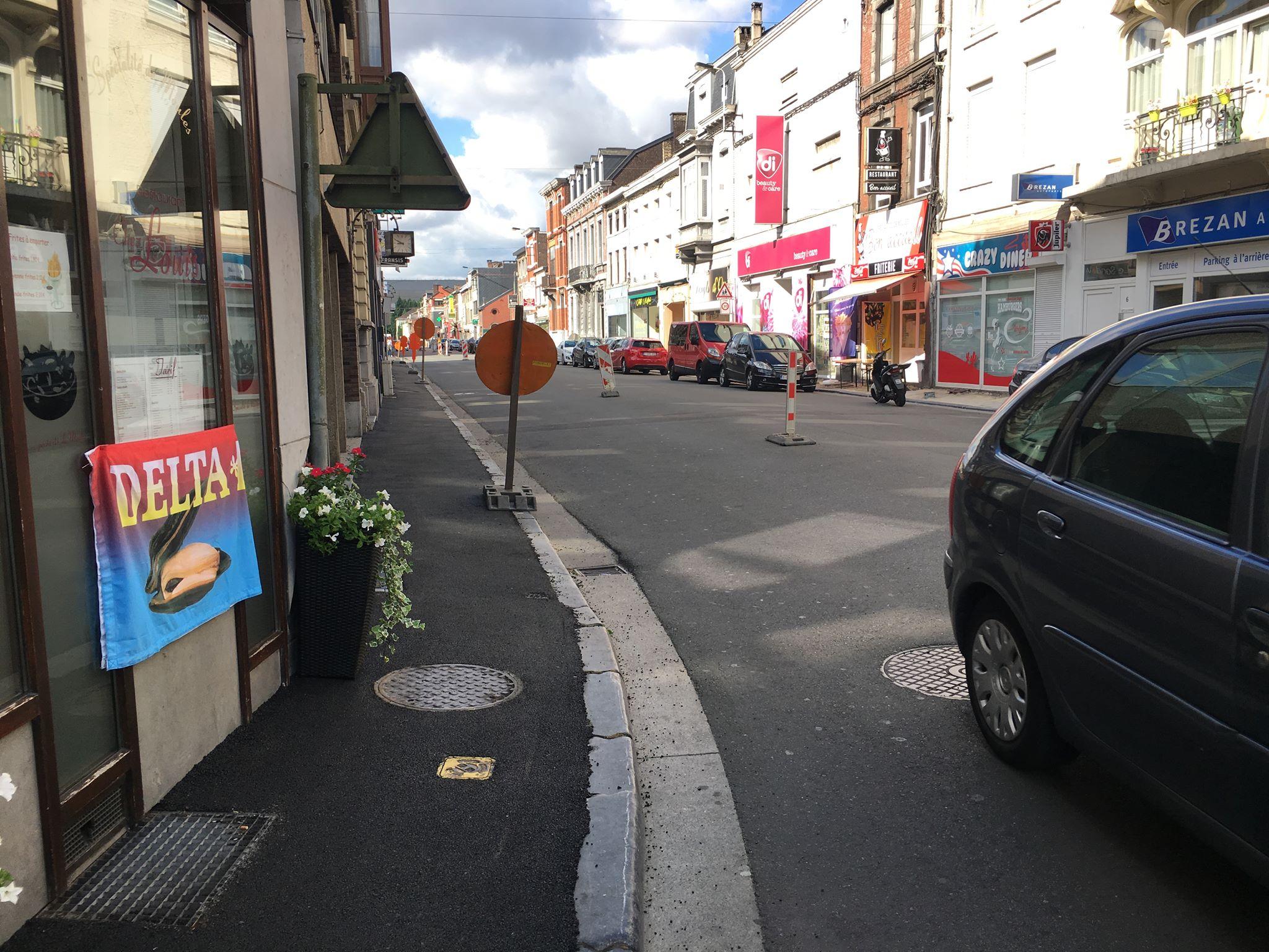 Des trottoirs en… tarmac à Jemeppe pour une raison insolite !