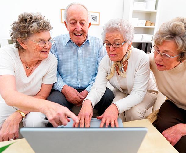 Ouderen ontdekken samenlevingsvormen.