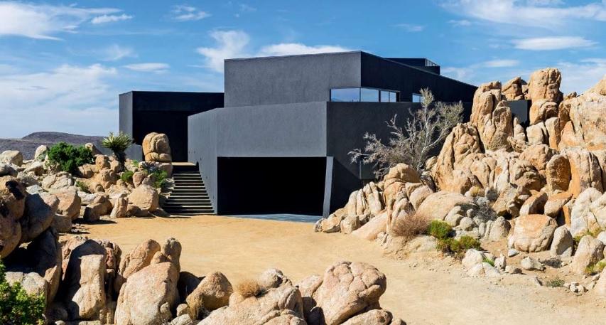 Dit mysterieuze huis in de woestijn zal je intrigeren