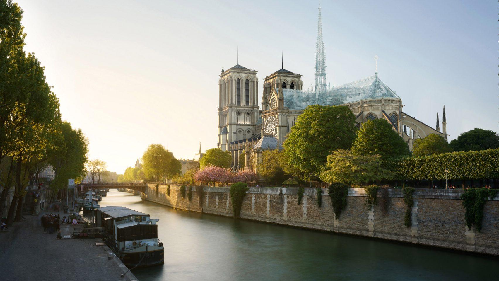 Notre-Dame de Paris : le créateur des Apple Stores propose une structure de toit en verre !