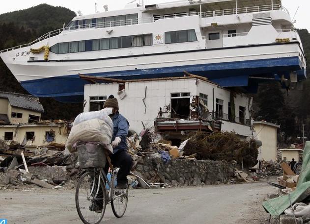 Eén maand na de aardbeving in Japan (Beelden)