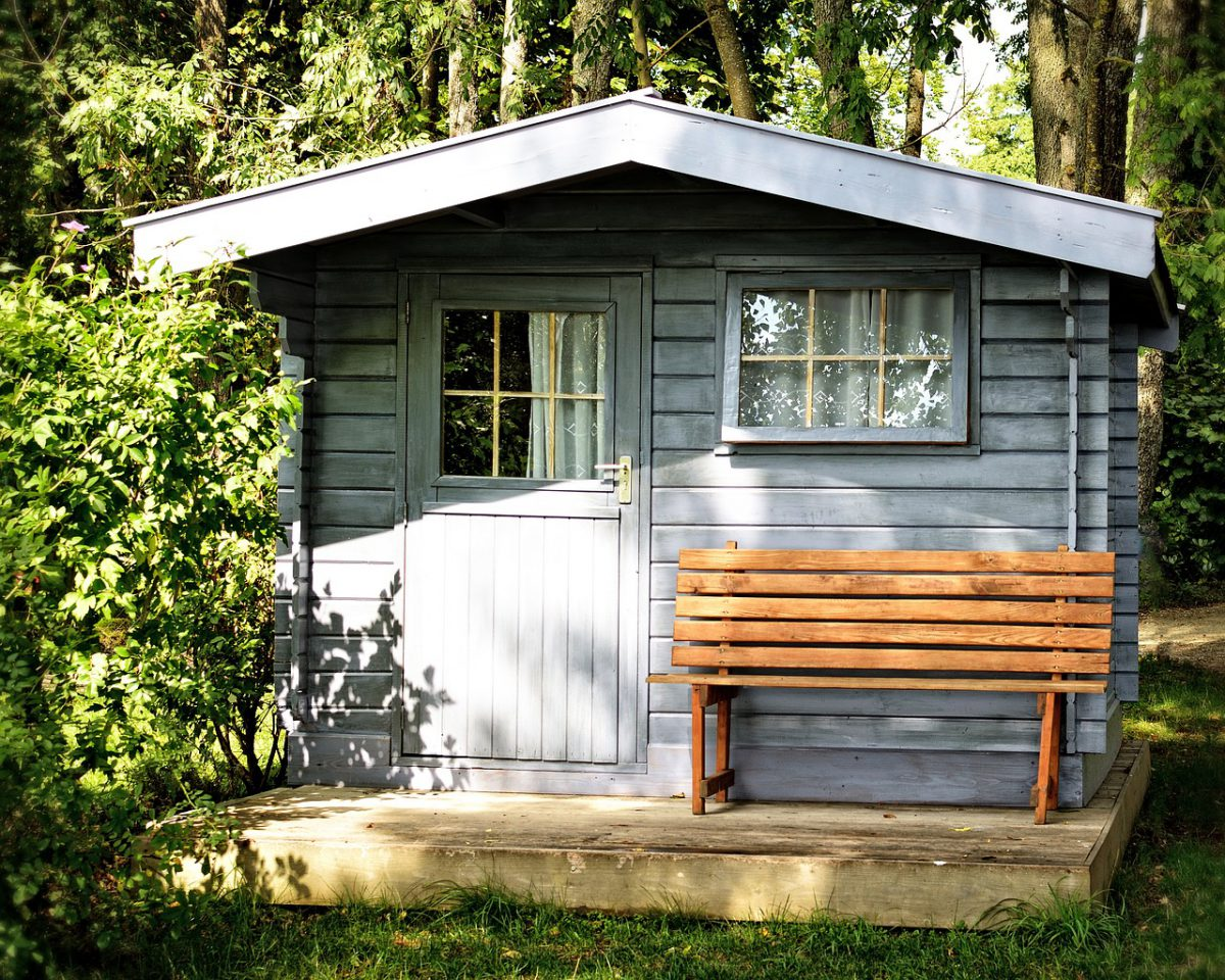 7 regels om rekening mee te houden bij het plaatsen van je tuinhuis