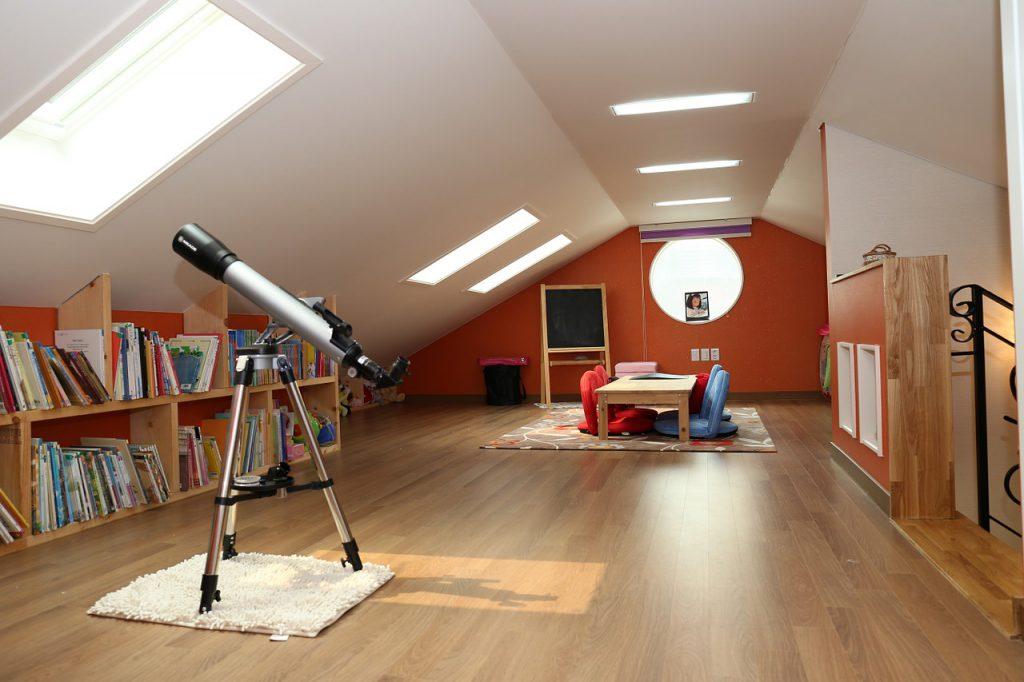 Woonkamer Op Zolder : 2 essentiële vragen die je moet stellen voor je je zolder renoveert