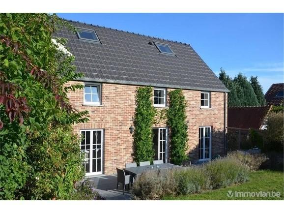 3 huizen met 4 gevels voor minder dan € 400.000 in Waals-Brabant
