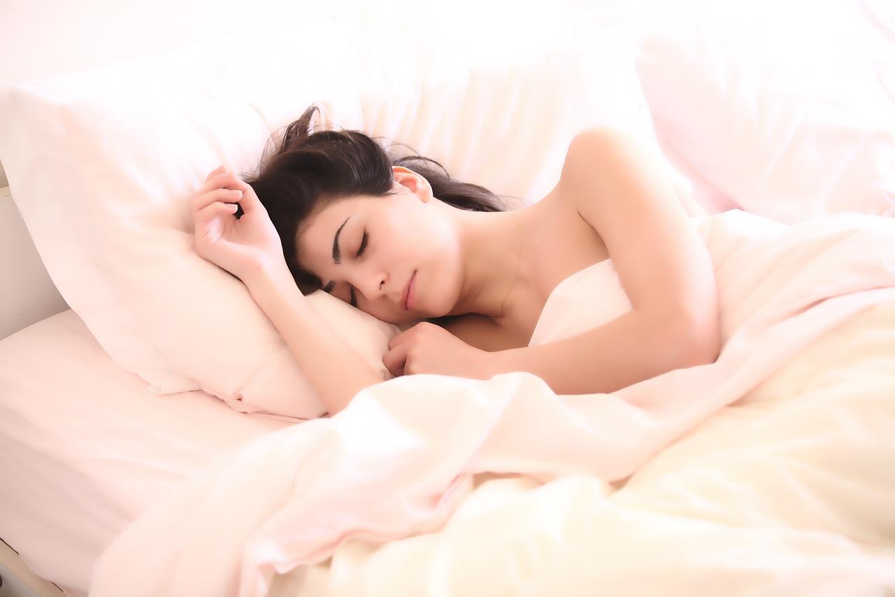 Vous avez du mal à sortir de la couette ? Top 5 des astuces pour devenir un lève tôt.