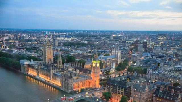 Honderden luxe-eigendommen in Londen gekocht om vuil geld wit te wassen