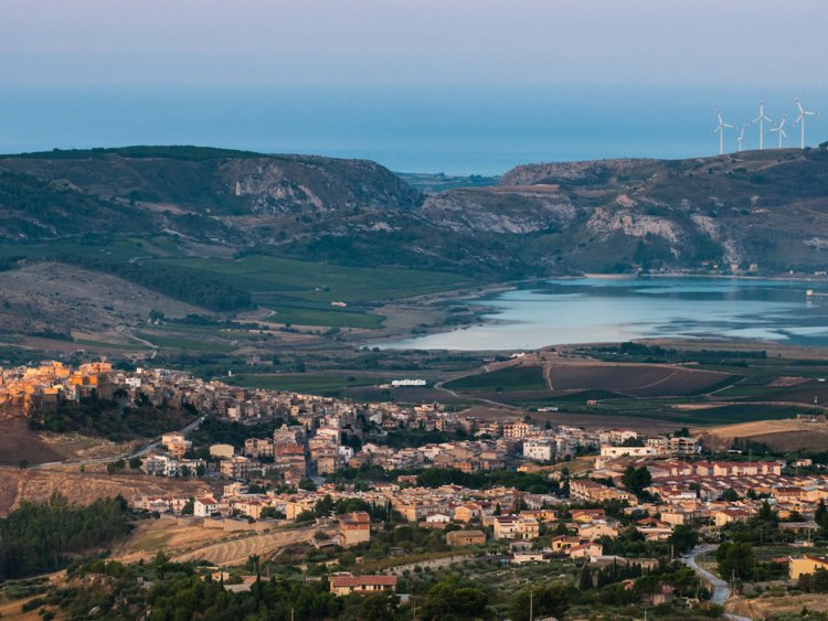 Voor 1 euro koop je een huis in Sicilië