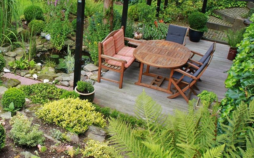 conseils pr parez votre terrasse pour recevoir vos amis. Black Bedroom Furniture Sets. Home Design Ideas