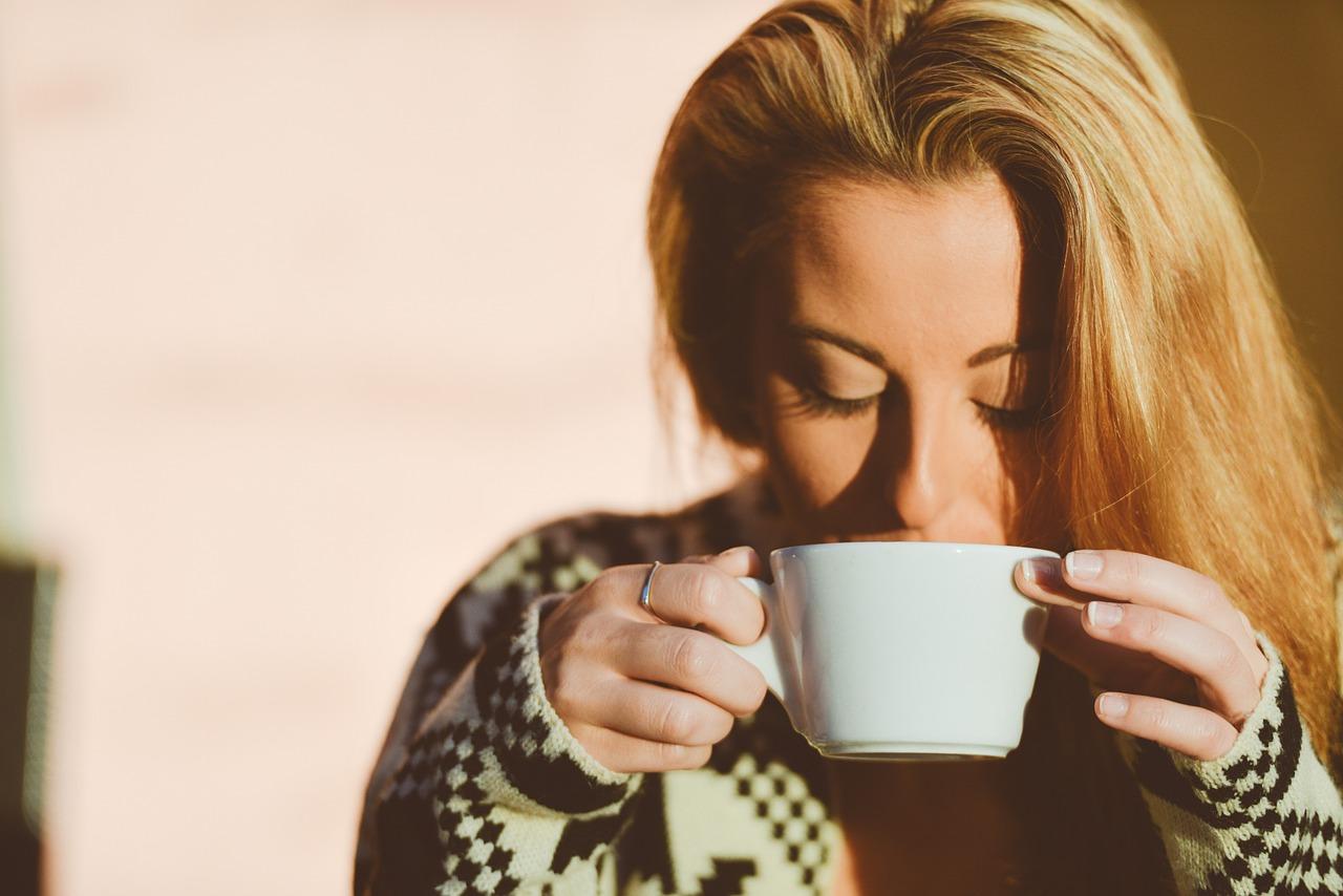 Ne jetez plus vos sachets de thé : voici 5 astuces insolites !
