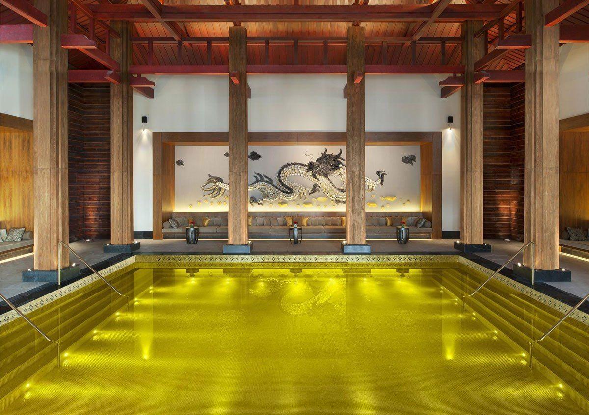TOP 5 des plus surprenantes piscines au monde !