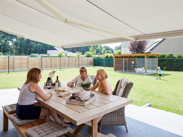 Zonneluifel of terrasoverkapping: wat moet je kiezen?