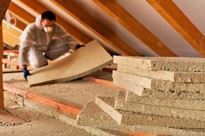 5 raisons pour lesquelles il faut mieux isoler le sol de votre grenier