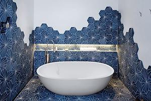 5 carrelages qui font rayonner votre salle de bain