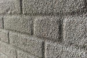 Les 7 avantages du liège projeté comme enduit de façade