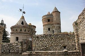 Ils ont construit le château de leurs rêves