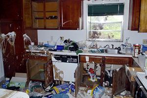 Wie betaalt huurschade veroorzaakt door huisgenoten van je huurder?