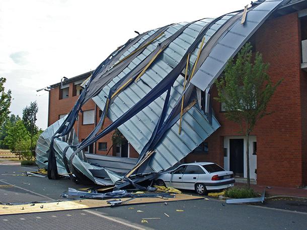 Qui paie les dégâts causés par une tempête sur votre maison ?
