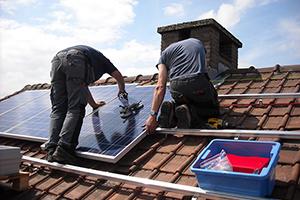 Dit zijn je rechten als je zonnepanelen beschadigd raken door onweer of diefstal