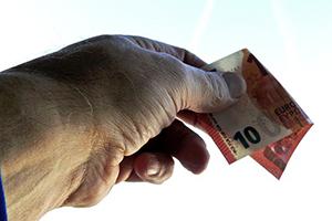 Mag je de huurprijs verhogen als je een opbrengstwoning koopt?