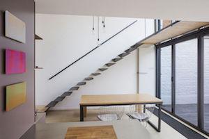 Cet escalier modifie totalement la dynamique de la maison