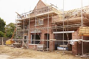 Overtredingen in twee derde van de gecontroleerde bouwbedrijven