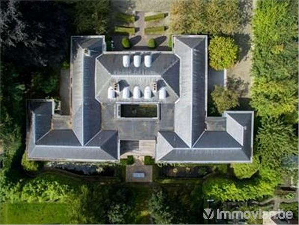 Zin om in het huis van een miljardair te wonen? marc coucke verkoopt