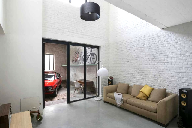 In beeld fantastische renovatie van een oude garage