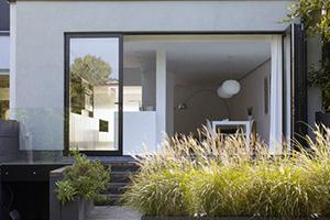 En images: La rénovation contemporaine et fonctionnelle d'une maison mitoyenne