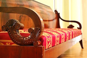 Antieke meubels kopen: 6 punten om rekening mee te houden