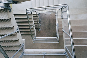 Dienstencheques: ook om de trappenhal van een flatgebouw laten poetsen?