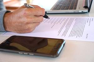 Huurcontract: moet je daarvoor langs de notaris?