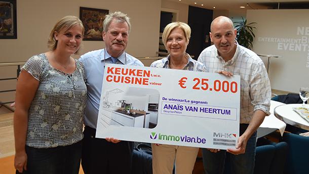 Félicitations à la gagnante 2015 du Grand Concours Cuisine MHK (PHOTOS) #Batibouw