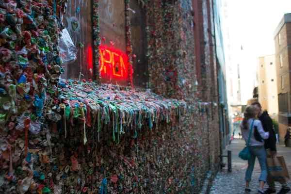 Hoe een muur vol kauwgom bekend werd- immovlan.be