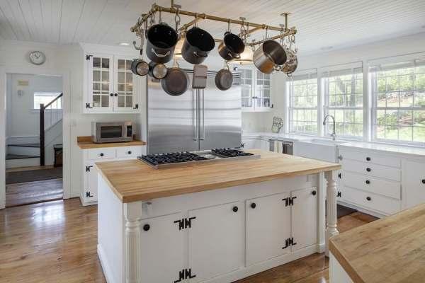immovlan - luxe boerderij te koop Renee Zellweger keuken