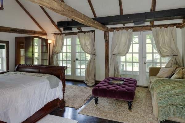 immovlan - luxe boerderij te koop Renee Zellweger slaapkamer