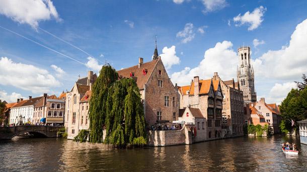 In Brugge slapen is duurder dan in Londen. Immovlan.be