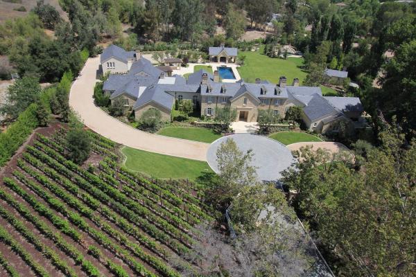 immovlan - nieuwe 20 miljoen dollar kostende woning van Kardashian