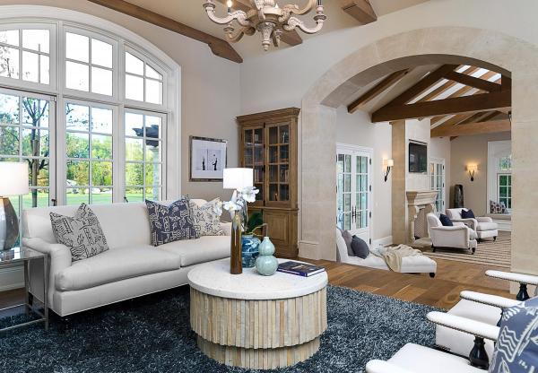 immovlan - nieuwe  woning van Kim Kardashian woonkamer