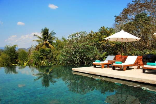 piscine à débordement - Hotel résidence Phou Vao - Immovlan.be