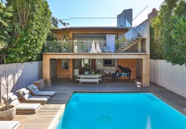 immovlan.be - piscine de star Pamela Anderson